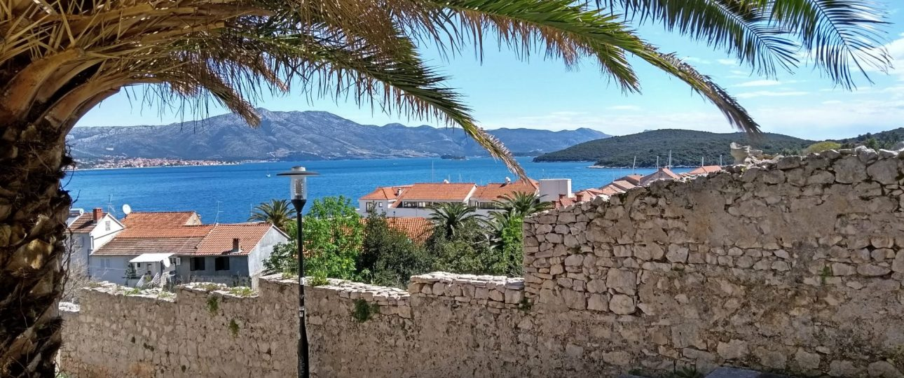 How to travel around Korcula