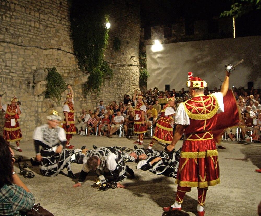 Things to do Korcula - Watch a sword dance