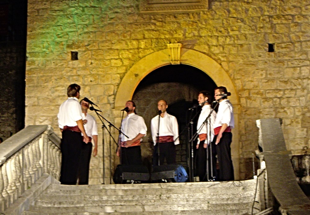 Things to do Korcula - Watch live music